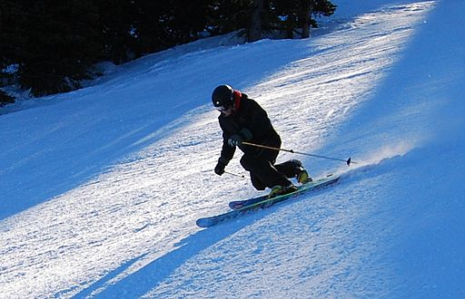 Telemark position skiing apex