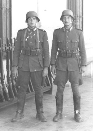 Argentine Army - The Argentine army soldiers with standard uniform in 1938. Note the similarity with the uniforms of the Wehrmacht.