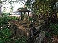 The chattri and Samadhi of Adhyaksha Koragappa in the family plot at Gori Gudde, Attavar, Mangalore. Shri Koragappa was the builder of the Gokarnath Temple.JPG