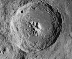 Theophilus crater 4077 h2 4084 h2.jpg