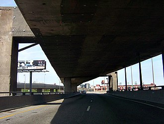 Quebec Autoroute 720 - Image: Through turcot interchange east 2