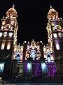 Toma nocturna de la Catedral de Morelia.jpg