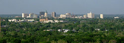 Pemandangan Downtown Topeka Skyline dari Burnett's Mound