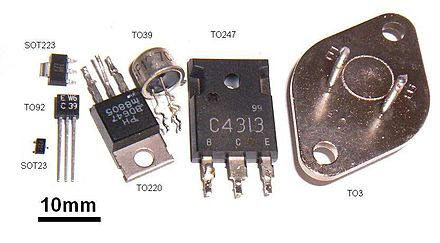 Size comparison of transistor packages. Two surface-mount packages, SOT23 and SOT223, are shown next to through-hole packages Transbauformen.jpg