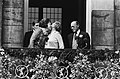 Troonswisseling 30 april , na abdicatie verschenen Beatrix en Juliana op balkon , Bestanddeelnr 930-8010.jpg