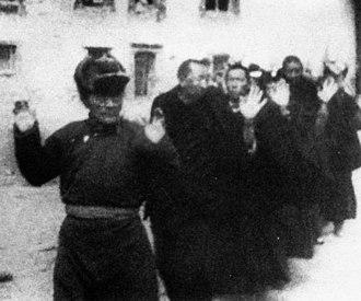 1959 Tibetan uprising - Image: Tsarong in captivity
