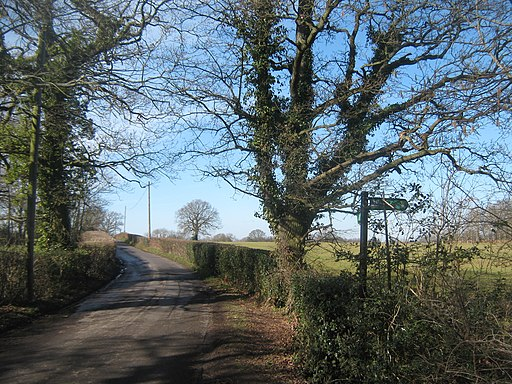 Tunbridge Wells Circular Walk on Leggs Lane - geograph.org.uk - 1733852
