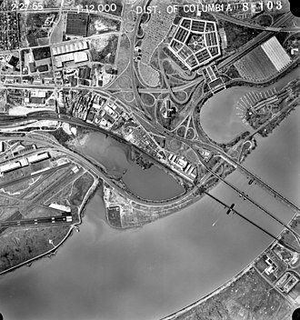 Aerial view of the 14th Street Bridges in 1965, with the old Highway Bridge still in place. Twin bridges marriott aerial eea50d47356a82474625f8b10bc9346f.jpg