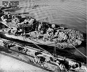 USS Case (DD-370) - Image: USS Case DD370 stern