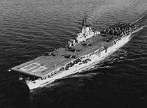 USS Tarawa (CVA-40) underway at sea on 18 December 1952.jpg