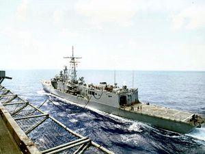 USS Taylor (FFG-50) refuels from USS John F. Kennedy (CV-67)