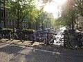 Vélos & Canal à Amsterdam © Peter Wolf.jpg