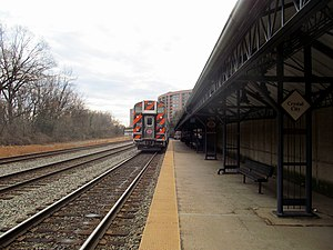 Crystal City station (VRE) - An outbound train leaving Crystal City station in 2017