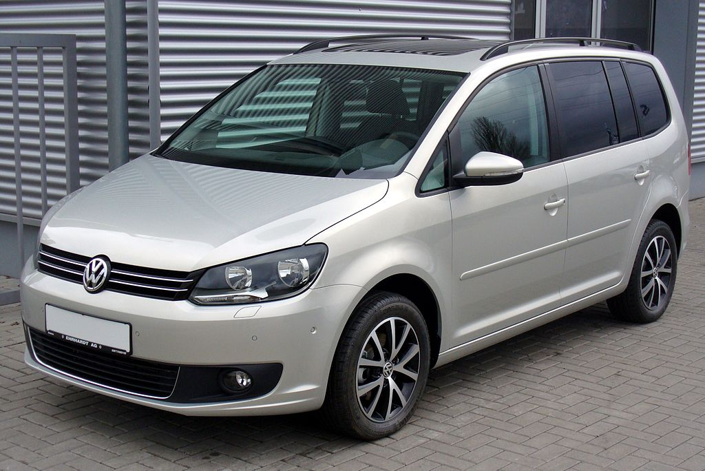 file vw touran facelift ii 1 4 tsi comfortline silverleaf jpg wikimedia commons. Black Bedroom Furniture Sets. Home Design Ideas