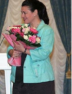 http://upload.wikimedia.org/wikipedia/commons/thumb/e/e1/Valentina_Tolkunova.JPG/250px-Valentina_Tolkunova.JPG