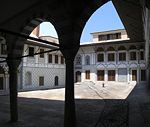 Valide Sultan apartments Topkapi 2007.jpg