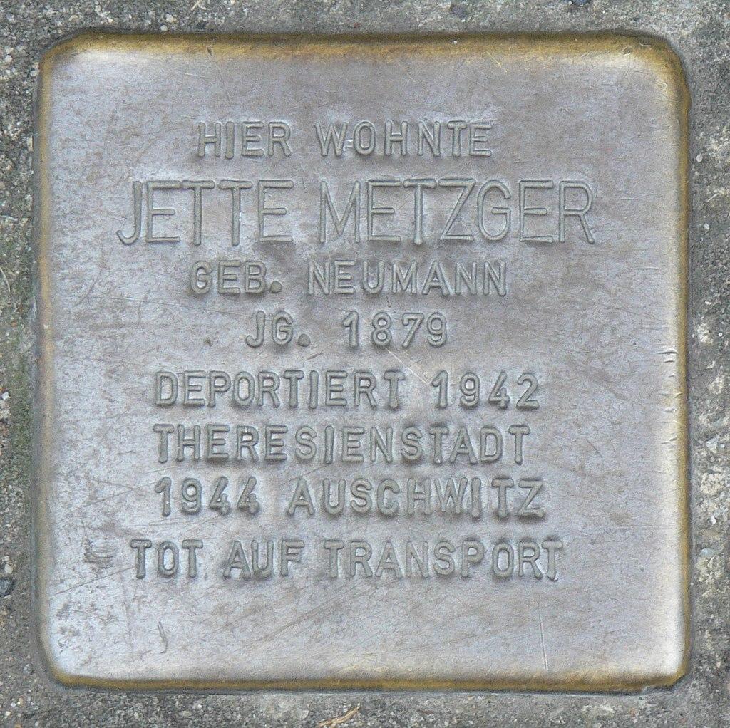Veitshöchheim - Stolperstein Jette Metzger (Bahnhofstraße 24).jpg