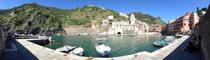 Vernazza Panorama.jpg