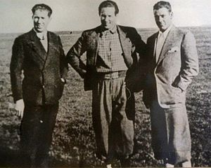 Jean Mermoz - Mermoz, between Victor Etienne and Guillaumet; Río de Janeiro.