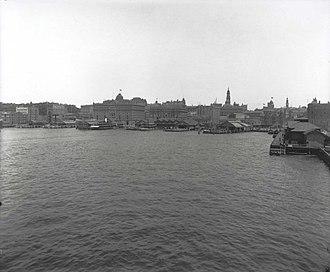 Circular Quay - The Circular Quay and city skyline, 1910s