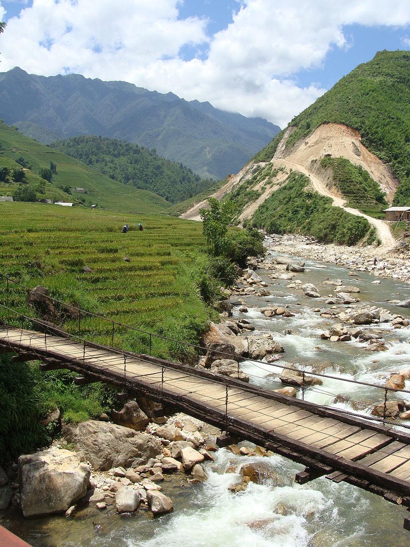 Village Vietnam Sapa bridge