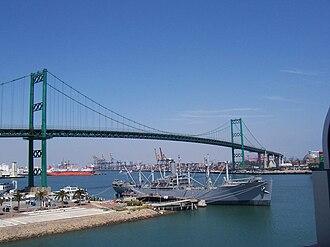 SS Lane Victory - Image: Vincent Thomas Bridge