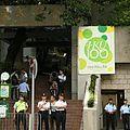 Voa chinese Police locked down HKU, 2011,08,29.jpg