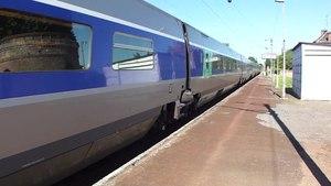 File:Wallers - TGV traversant la gare (A).ogv