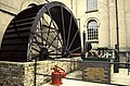 Waterwheel-driven pump at Kew Bridge.jpg