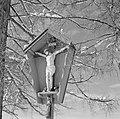 Wegkruis in de buurt van Rottach-Egern in de sneeuw, Bestanddeelnr 254-3776.jpg