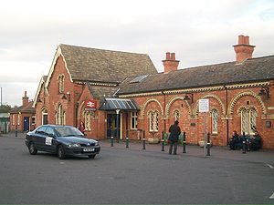 Wellingborough railway station - The entrance to Wellingborough Station