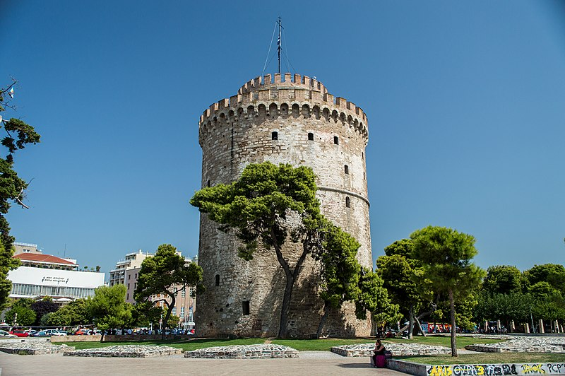 The White Tower - is a symbul, monument and museum of the city of Thessaloniki, capital of the region of Macedonia in northern Greece. ©balcondelmundo | Thessaloniki photo gallery | bdmundo.com/en/belaya-bashnya/#.VnZHfVKnyqU