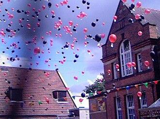 Winterbourne Junior Boys' School - Image: Winterbourne Centenary balloons