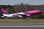 Wizz Air, HA-LWO, Airbus A320-232 (18245360775) (2).jpg