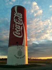 World's largest Coke can, Portage la Prairie, MB.jpg