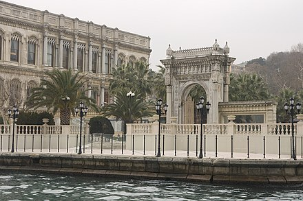 Ciragan Palace (1867) briefly served as the Ottoman Parliament building between 14 November 1909 and 19 January 1910, when it was damaged by fire. It was restored between 1987 and 1992 and was reopened as a five-star hotel in the Kempinski Hotels chain. Yildiz Mh., Ciragan Cd. No-32, 34349 Besiktas-Istanbul, Turkey - panoramio.jpg