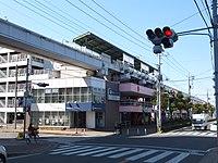 Yamaman Chiku-Center Sta 001.jpg