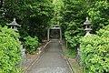 Yatsuo Hachiman-sha Shrine Sandou, Yatsumatsu Midori Ward Nagoya 2020.jpg