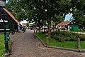 Zaandijk - Zaanse Schans - Kraaienest - Zeilenmakerspad - View East towards Zaans Museum.jpg