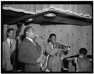 Duke Jordan - Jordan (seated), in the Charlie Parker Quintet at the Three Deuces in 1947. (photo William P. Gottlieb)