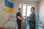 Командування Національної гвардії України відвідало поранених військовослужбовців на передодні Великодня 3316 (17084926281).jpg