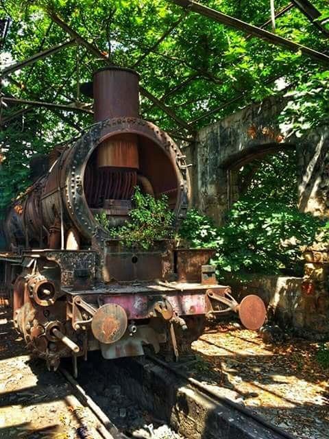 محطة القطار القديمة في طرابلس شمال لبنان