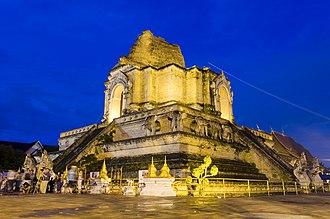 Wat Chedi Luang - Chedi Luang stupa at night