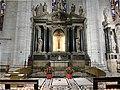 ミラノのドゥオモ:大聖堂内部6 (36309443124).jpg