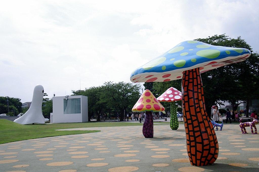 十和田市現代美術館 - panoramio