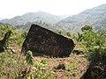 另一块天然大石头nature big stone made by GOD - panoramio.jpg