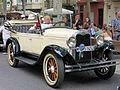 107 Fira Modernista de Terrassa, mostra de cotxes d'època a la Rambla.JPG