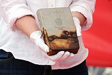 """Ein erhaltenes Exemplar von Stefan Zweigs Buch """"Amok"""" (Quelle: Wikimedia)"""