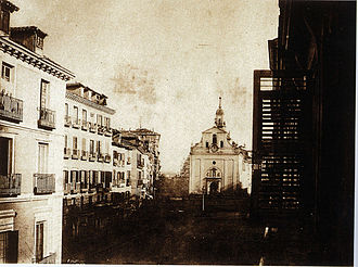 Iglesia del Buen Suceso - Image of the Church in the Puerta del Sol to background in 1854 (just before the big reform of the Puerta del Sol).