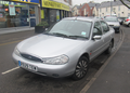 1998 Ford Mondeo 2.0 Ghia Front.png